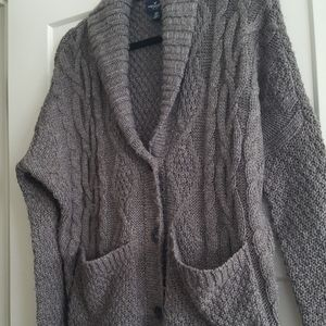 American Eagle sweater xs runs big
